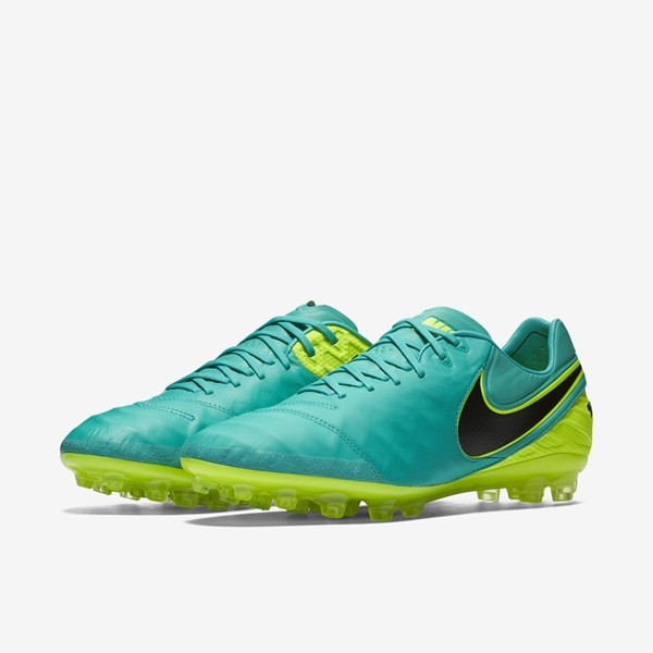 detailed look 38824 694c4 Nike Tiempo Mens Football Boots